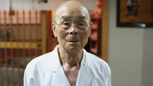 Jiro Ono in JIRO DREAMS OF SUSHI, a Magnolia Pictures release. Photo courtesy of Magnolia Pictures.