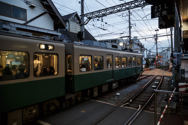 Hanayamata and the Enoshima Electric Railway ハナヤマタと江ノ島電鉄